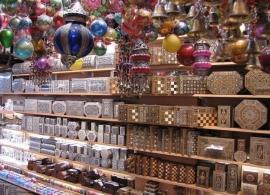 Suvenýry na trhu - Omán