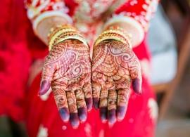 Nakouknutí do Indické tradice heny