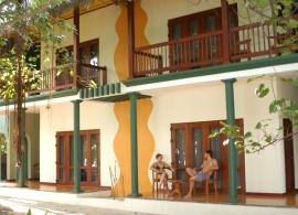 Adaaran Club Rannalhi Maledivy - pokoje v plážovém domě