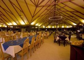 Adaaran Select Hudhuran Fushi - restaurace Banyan