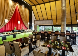 Angsana Ihuru - hlavní restaurace - interiér