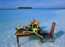 Angsana Ihuru - večeře na písčině