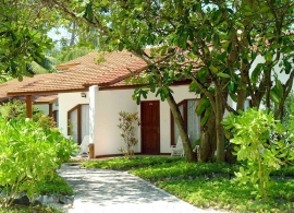 Bandos Island resort - bungalov s pokojem deluxe