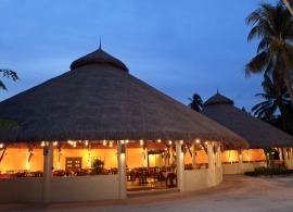 Bandos Island resort - restaurace