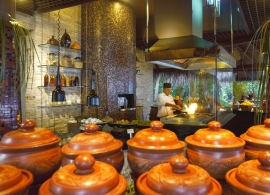 Baros Maldives - restaurace Cayenne