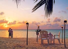 Biyadhoo island resort - večerní pláž