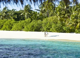 Dusit Thani Maledivy - pláž