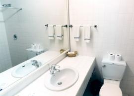 Fun Island resort - pokoj standard - koupelna