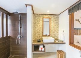 Fun island resort - pokoj deluxe, koupelna