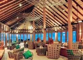 Hideaway beach resort Maledivy - bar