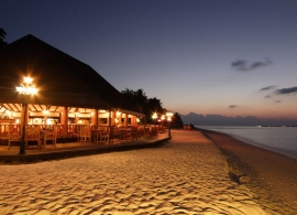 Holiday island resort, Maledivy - restaurace