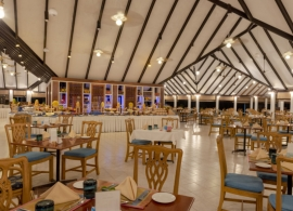 Holiday island resort - restaurace