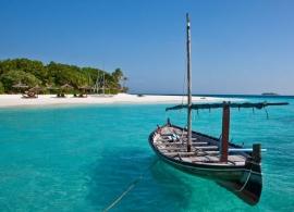 Maledivy - loď dhóni