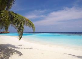 Maledivy - pláž