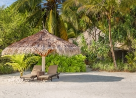 Kihaa Maldives - plážová vila Lagoon prestige