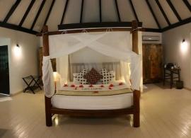 Kihaa Maldives - deluxe vila, pokoj