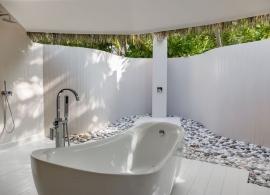 Kihaa Maldives - deluxe vila, koupelna