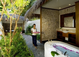 Kuramathi Island Resort - novomanželská vila s bazénem