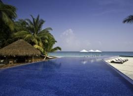 Kuramathi Island Resort - bazén