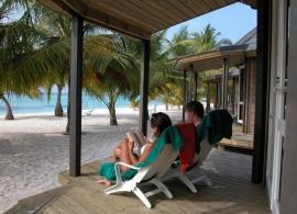 Kuredu Island resort - plážová vila Koamas s jacuzzi