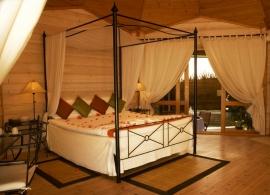 Kuredu Island resort - plážová vila s jacuzzi