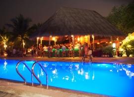 Kuredu Island resort - bar