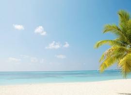 Kuredu Island resort - pláž Kuredu