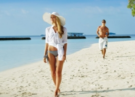Kurumba Maldives - pláž