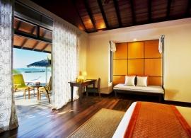 Kurumba Maldives - plážový deluxe bungalov