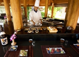 Kurumba Maldives - restaurace Hamakaze