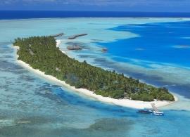 Medhufushi Island resort - letecký pohled