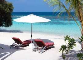 Oblu Helengeli - pláž před plážovou vilou deluxe