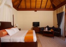 Olhuveli Beach resort - vodní vila s jacuzzi