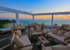 Pandanus beach resort Srí Lanka - střešní bar