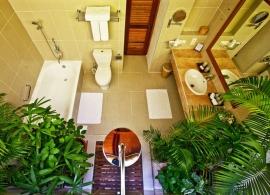 Reethi Beach resort - deluxe vila - koupelna