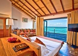 Reethi Beach resort - pokoj ve vodní vile