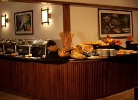 Reethi Beach resort - hlavní restaurace