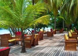 Reethi Beach resort - hlavní bar