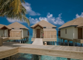 Reethi Faru resort - vodní vily