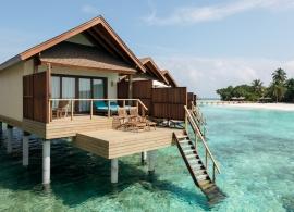 Reethi Faru resort - vodní vila
