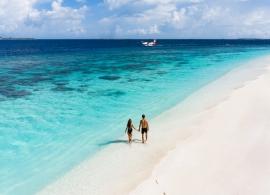 Reethi Faru resort - pláž