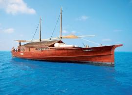 Safari island resort - safari boat