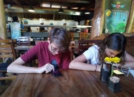 čekání na burger - i na Srí Lance mají WiFi