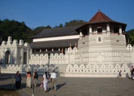 Chrám Buddhova zubu v Kandy, Srí Lanka