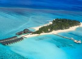 Summer island village - letecký pohled