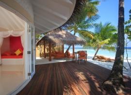 Sun Aqua Vilu Reef Maledivy - plážová vila deluxe