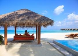 Sun Aqua Vilu Reef Maledivy - deluxe plážová vila s bazénem