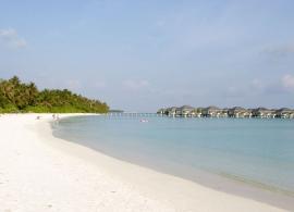 Sun Island resort - vodní bungalovy