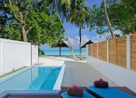 Sun Island resort - plážová vila s bazénem