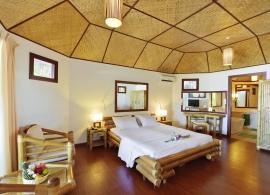 Thulhagiri Island resort - plážový bungalov